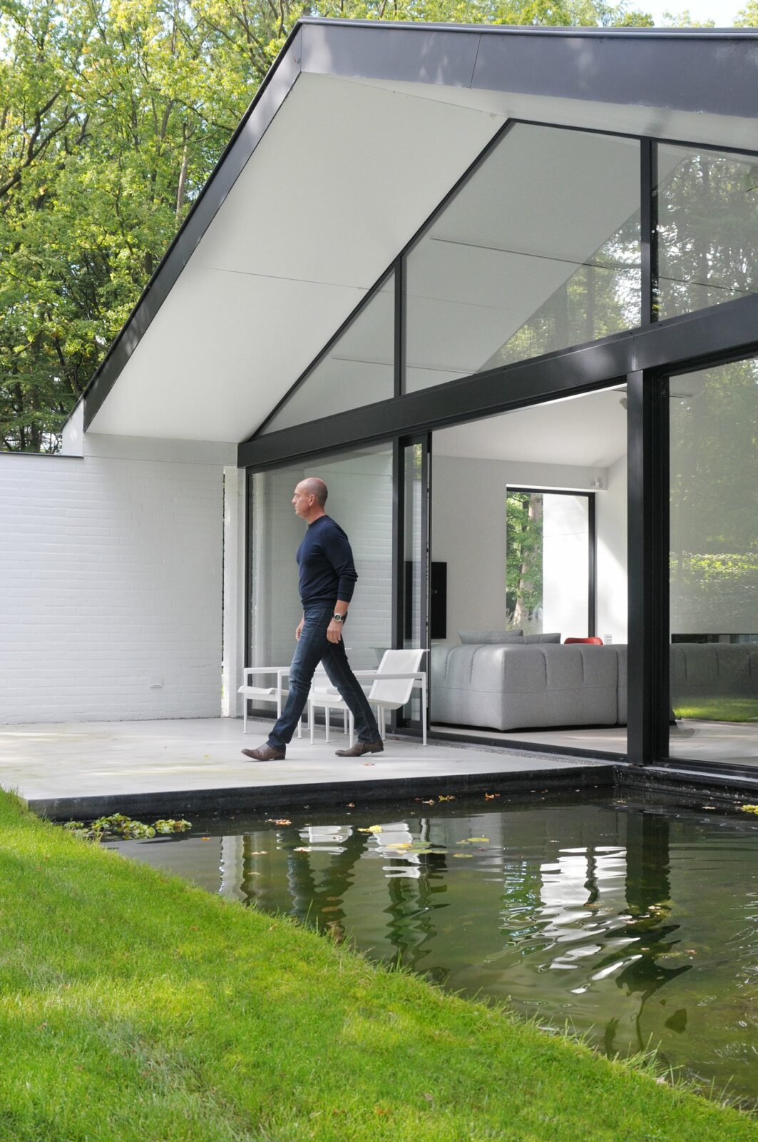 https://www.artifix.be/wp-content/uploads/2019/06/architectuur-vijver-tuin.jpg